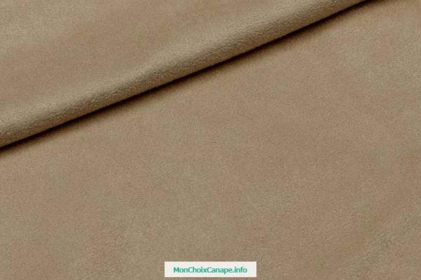 Comment nettoyer un canapé en cuir très encrassé ?